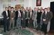 """Spotkanie w dniu 26.10.1999 r. delegacji z Uniwersytetu Nagoya z uczestnikami nadzwyczajnego posiedzenia Senatu reprezentującymi AMG, na którym po prezentacji strony japońskiej przez dziekana Wydziału Lekarskiego Uniwersytetu Nagoya wszyscy zebrani wysłuchali omówienia dotychczasowej współpracy między obydwiema uczelniami. Ze strony polskiej krótką charakterystykę efektów i perspektyw w tym zakresie przedstawili dziekani poszczególnych Wydziałów AMG (ten fakt odnotowano w styczniowym numerze <em>Gazety AMG</em>, str. 2 i str. 10, 2000). Prof. P. Szefer jako dziekan omówił m.in. osiągnięcia naukowe pracowników Wydziału Farmaceutycznego będące wynikiem współpracy z partnerami z Japonii. Korzystając z okazji prof. P. Szefer podzielił się z zebranymi swoimi osobistymi refleksjami wynikającymi zarówno z półrocznej wizyty naukowej zaproszonego przez niego profesora z Miyazaki University jak i swoich własnych odczuć w trakcie pobytu naukowego w Japonii. Godnym odnotowania jest fakt, iż prof. P. Szefer znalazł się w gronie tych przedstawicieli AMG, którzy w uznaniu zasług na polu współpracy ze stroną japońską zostali odznaczeni Medalem """"Nagoya University School of Medicine""""."""